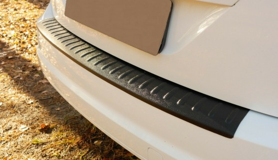 Rear bumper trim for Ford Focus mk2 07-11 hatchback plate sill protector cover